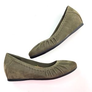 Baretraps Posture + | Green Wedge Heel Round Toe